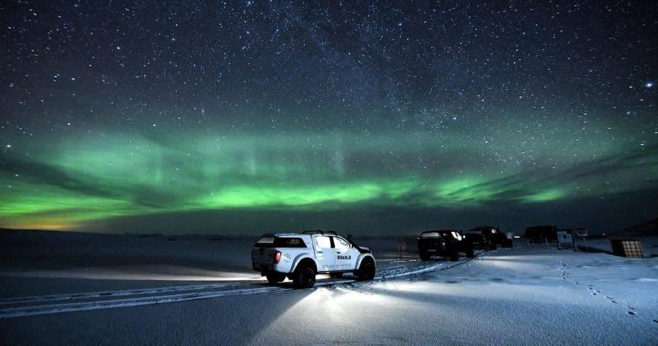 Escursione notturna in Islanda aurora boreale